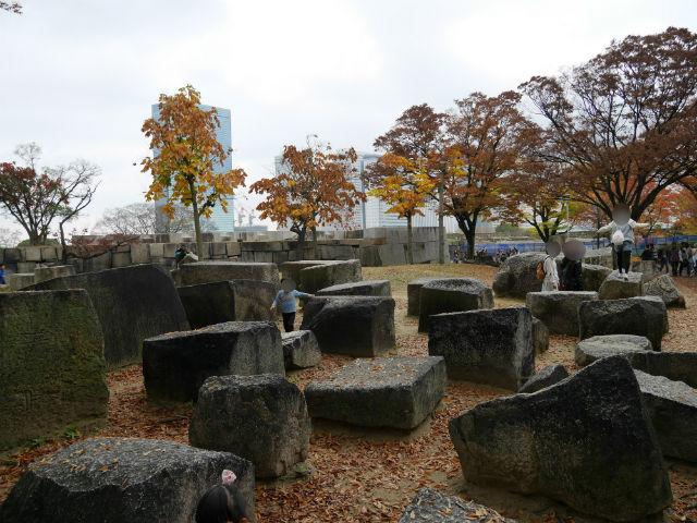 大阪城公園「刻印石広場」