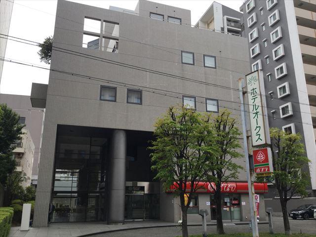 「ホテルオークスアーリーバード大阪森ノ宮」入口付近