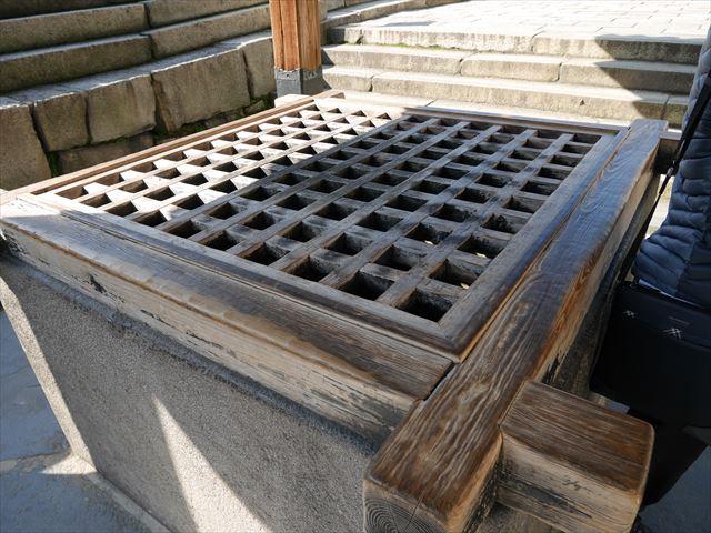 大阪城「金明水井戸屋形」の井戸