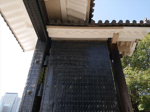 大阪城「桜門」の門