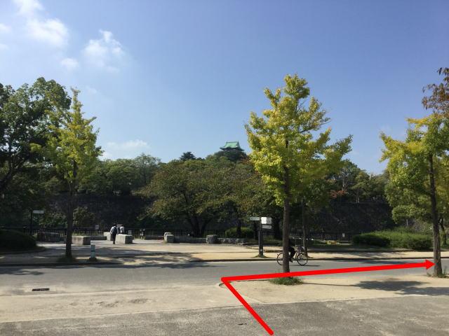 大阪城公園内、大阪城ホール横付近
