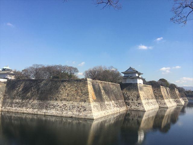 大阪城六番櫓と外堀