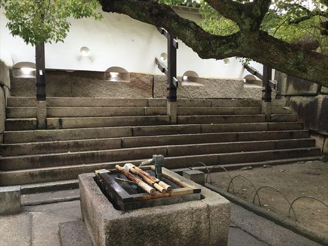 大阪城「銀明水井戸井筒」
