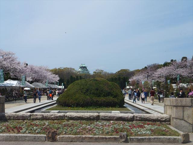 大阪城公園森ノ宮駅すぐの桜