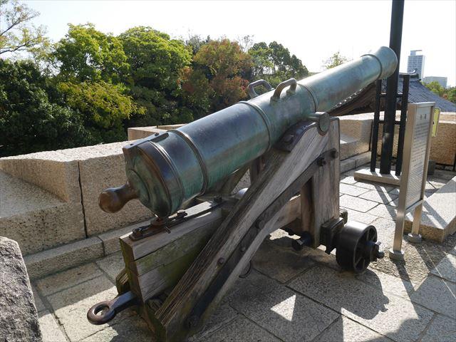 大阪城「大砲」後ろから撮影