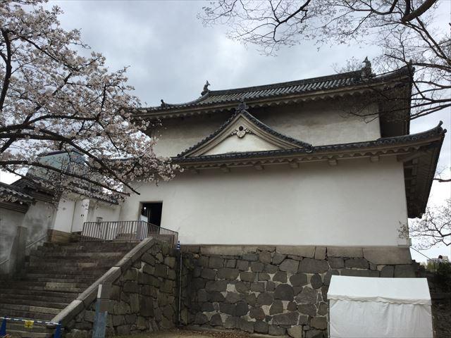大阪城西の丸庭園から見た千貫櫓