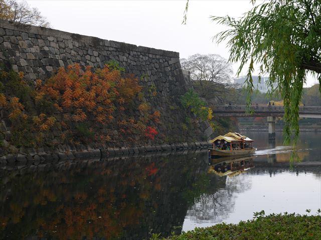 大阪城御座船が極楽橋を越え東内堀に向かう