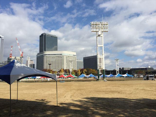 大阪城公園内の太陽の広場