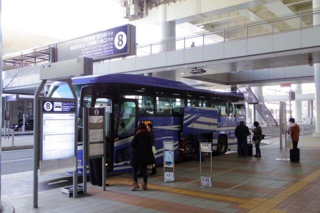 関西国際空港に停車している空港リムジンバス