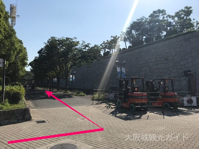 城見ホールの入口